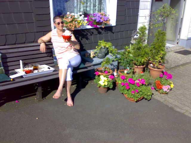 Anja auf der Bank