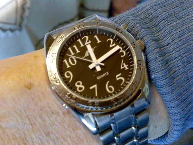 Sprechende Uhr